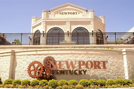Newport sign welcomes visitors at Newport on the Levee
